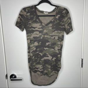 🐾free w/purchase🐾 long camo print shirt